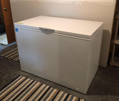 Frigidaire freestanding deep-freeze 48x 27.5 x 35