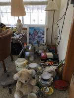 Kitchen variety lot with vintage side table lamp and more