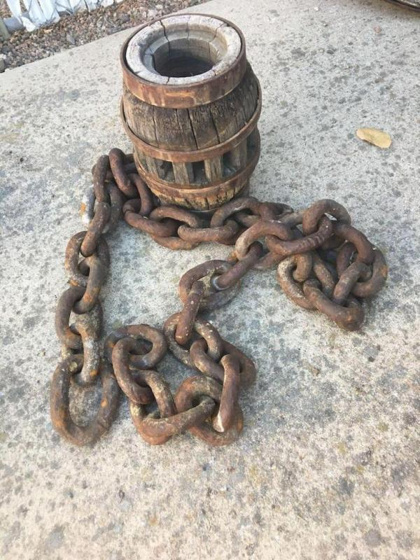 Wagon hub, chain