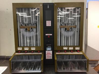 Nevada Gold 8000 w/Bill Pull Tab Machine with keys, NO MANUAL INCLUDED
