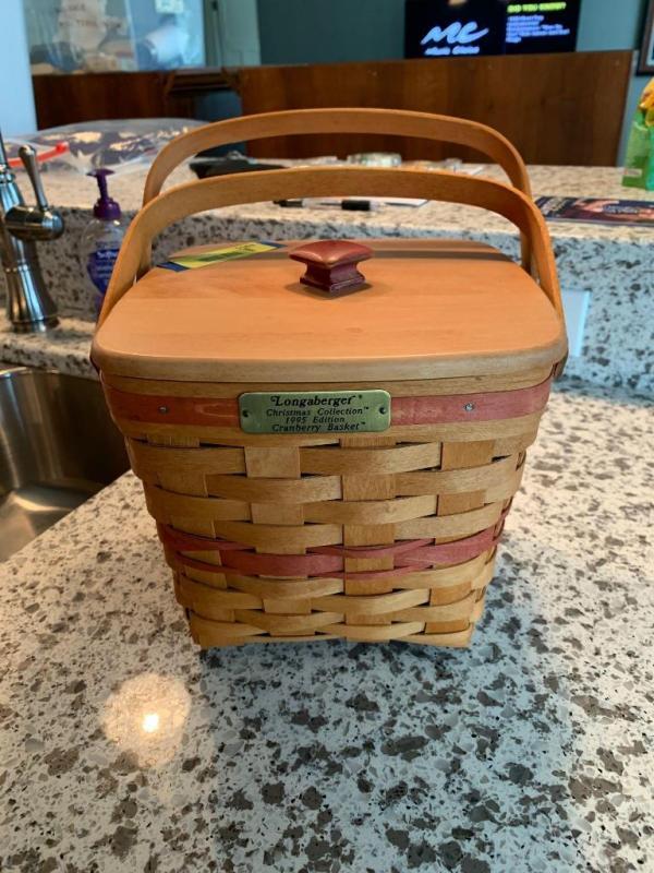 Longaberger Christmas Basket.Longaberger Christmas Collection 1995 Cranberry Basket With