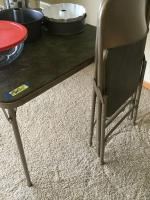 Green card table and 4 coordinating padded folding chairs
