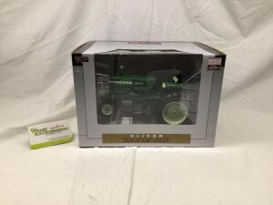SpecCast Collectibles Classic Series 1/16 scale officially licensed replica Oliver 1650 gas narrow front tractor