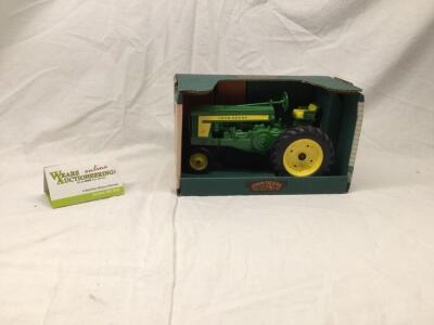 Ertl John Deere Model 720 Row Crop Tractor 1/16 scale