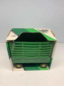 Ertl Bale Throw Wagon 1/16 scale