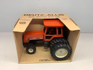 Ertl Deutz-Allis 8030 Tractor with Cab 1/16 scale