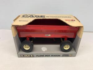 Ertl Case International Flare Box Wagon 1/16 scale