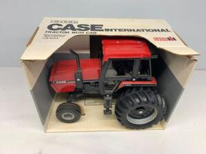 Ertl Case International 2594 Tractor with Cab 1/16 Scale