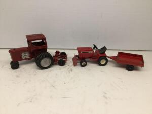 Cub Cadet 682 tractor & wagon, Red tractor