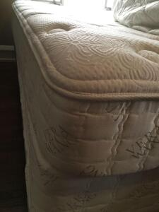King size Vera Wang mattress and mattress pad, with split twin Serta ***linens not included***