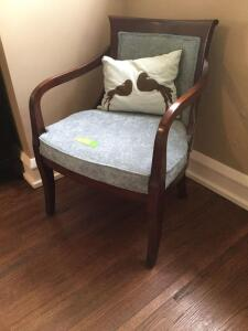 Arm chair with pillow