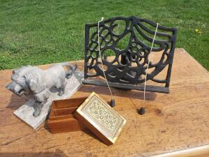 You won't lose your sheet music with this heavy duty stand! Comes with marble lion statue and gold flake style designed box from Cairo and