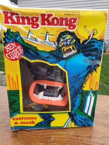 King Kong ben cooper child's costume from 1976, even the box is cool as heck!