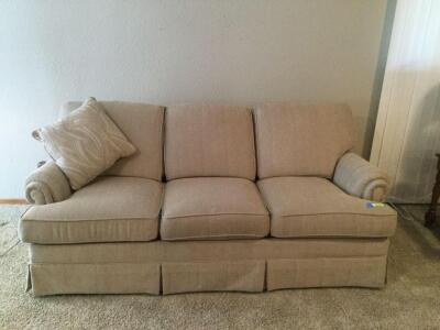 Flexsteel 3 cushion 6' sofa