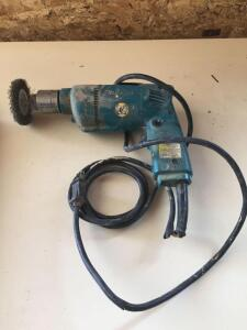 "Makita 3/8"" drill, works but needs cord repaired"