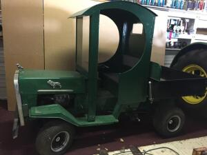 Miniature Mack vintage truck with 18HP Briggs & Stratton motor, gas, electric tilt box, running condition