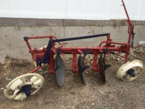 International 3 bottom Disc plow