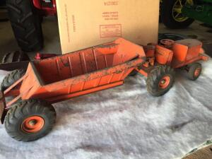 "Euclid ""The Pioneer"" metal dirt mover toy"