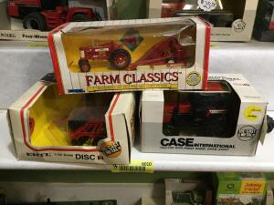 Ertl Case International tractor with front wheel drive assist 1:32 scale, Ertl 1:32 scale Case IH disc and Ertl Case International tractor with front wheel drive assist 1:32 scale