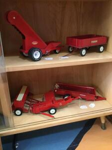Ertl Case IH barge wagon, Tonka Conveyor belt, Ertl manure spreader, Ertl square baler and IH grain drill