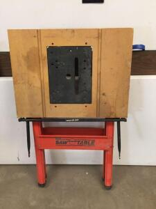 Folding saw table with outlet, top 27x21