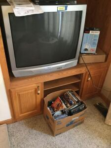 "Sansui 32"" TV, Phillips DVD player, RCA indoor antenna and quantity of DVD's"