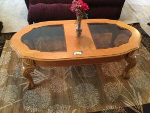 Coffee table that matches end tables in Lot 6511