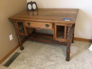 Unique oak library table and double picture frame Measures 44 x 28 x 29