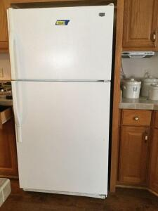 Maytag fridge/freezer w/ ice maker Model M1TXEMMWWOO Measures 33 x 30 x 66