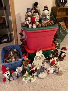 Are you a snowman lover? This lot is for you. Serving platter, dishes, stuffed decor, pine cone garland and much more. See photos.