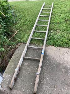 10' wooden extension ladder piece-Ladies great for repurposing!!!!