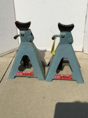 Two 6 ton Pit Bull jack stands