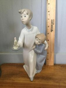 Lladro brother & sister w candle