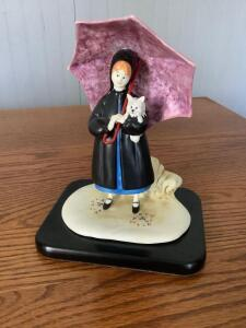 "P. Buckley Moss 'Sunshine Girl' figurine by Anna Perenna. Made in Italy. Measures approximately 7"" x 5.5. #13?/500."