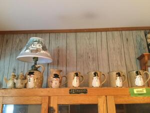 Three Rivers Pottery Snowman lamp, small pitcher and 4 mugs and a pair of unmarked snowmen