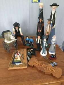 Various Amish oriented figurines