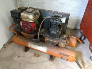 Rapid recovery air compressor with a Honda GX160 engine unknown brand unknown condition