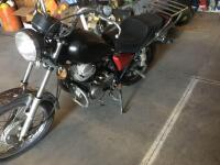 1980 Yamaha motorcycle 250 street bike, runs but needs a battery and tune up, has new tires - 2