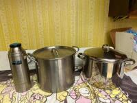 Two stock pots, thermos