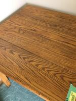 30 x 30 x 30 small vintage oak table-would be a great gaming table!! - 2