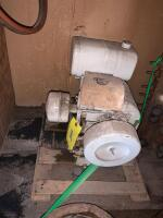Tecumseh 10hp gas engine, turns free but don't know condition otherwise