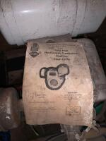 Tecumseh 10hp gas engine, turns free but don't know condition otherwise - 2