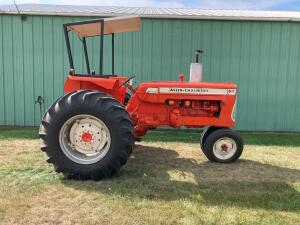 Allis Chalmers D17 Series II gas tractor SN D17-65985
