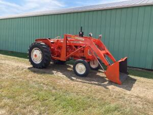 Allis Chalmers D17 Series IV gas tractor w/ Allis Chalmers loader SN D17-80398