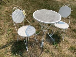 Expanded metal bistro table and chairs