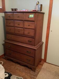 Modern six drawer dresser and contents Measures 36 x 20 x 52
