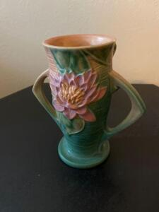 "Roseville vase 6"" (small chip)"