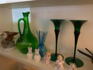 Green glass, bird figurines, brass bowl