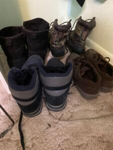 Men's boots and shoes/size 11
