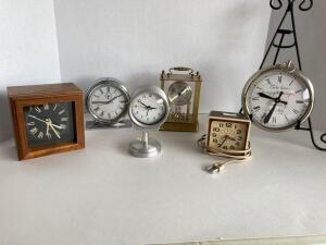 6 clocks - Amana handcrafted square wood, General Electric alarm clock